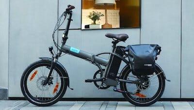 bici elettrica pieghevole accessoriata